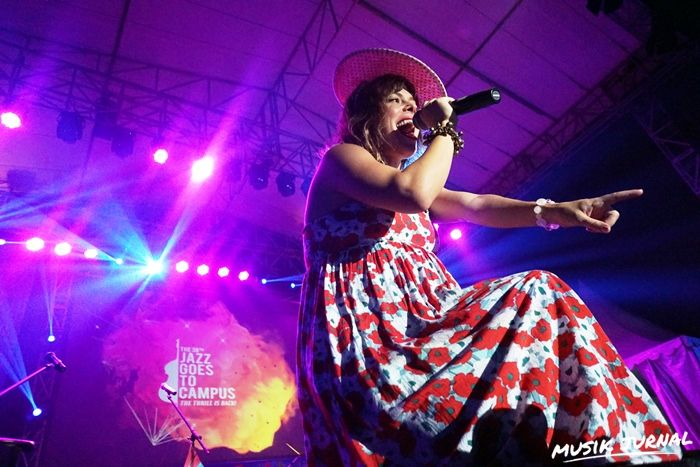 Meski Sedang hamil, Lenka tetap Energic Tampil di JGTC 2015 | Musik Jurnal