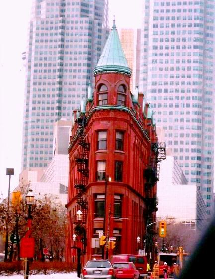 I believe this is one of the oldest buildings in Toronto - I just loved the building and so had to snap it whilst driving past #toronto #canada #architecture #buildings