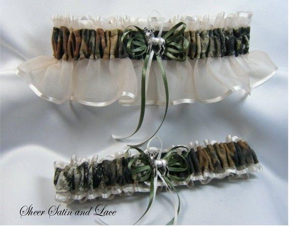 Camo Centerpieces for a Wedding   MOSSY OAK CAMOUFLAGE wedding garters DEER CAMO garter IVORY