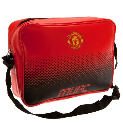 Manchester United lunch bag which is larger than a standard lunch box and can be carried over the shoulder. In club colours and featuring the club crest. FREE DELIVERY on all of our football gifts