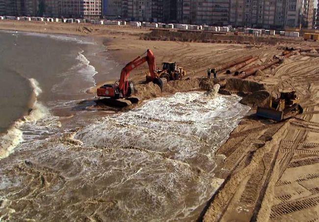 Guerre du sable sur les côtes de France #bzh #macron #liberalisme #democratie  http://blog.mondediplo.net/2015-11-04-Guerre-du-sable-sur-les-cotes-de-France via @jcfrog