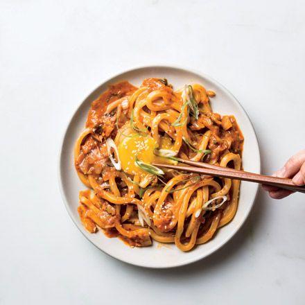 たまにはうどんも食べたい。バターも入ってるけど。個性派エスニック料理で、脱マンネリ化!【週末のレシピ集】|グルメ(レストラン・スイーツ)|VOGUE JAPAN