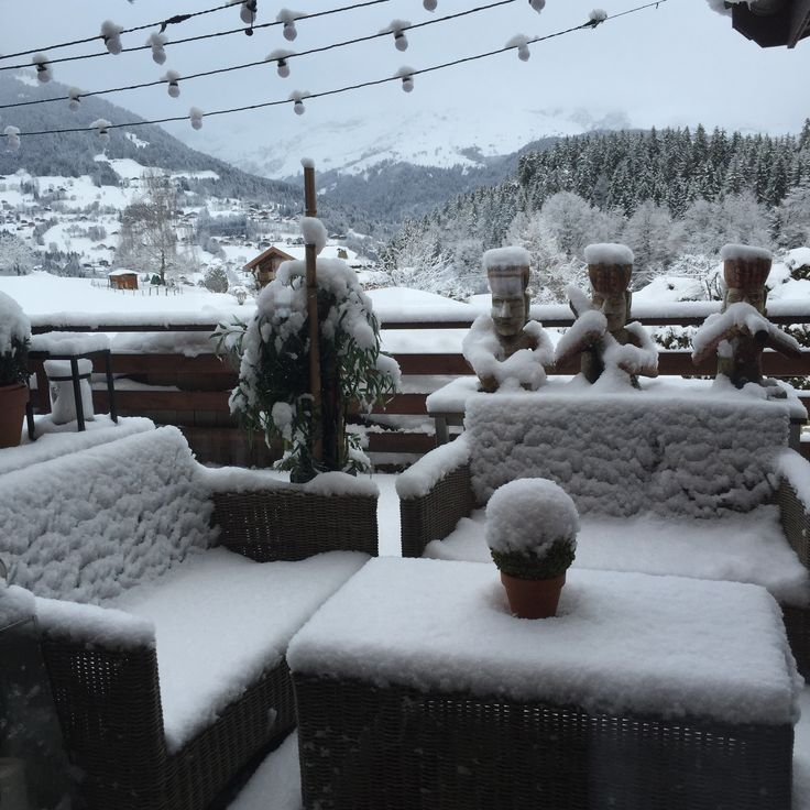 Chalet One Oak in Megeve is looking fabulously snowy this morning. Taken from the South Terrace  #megeve #france #snow #ski #skiresort #chalet #luxurychalet #travel #luxe #winter #skiseason #leotrippi #leostravels