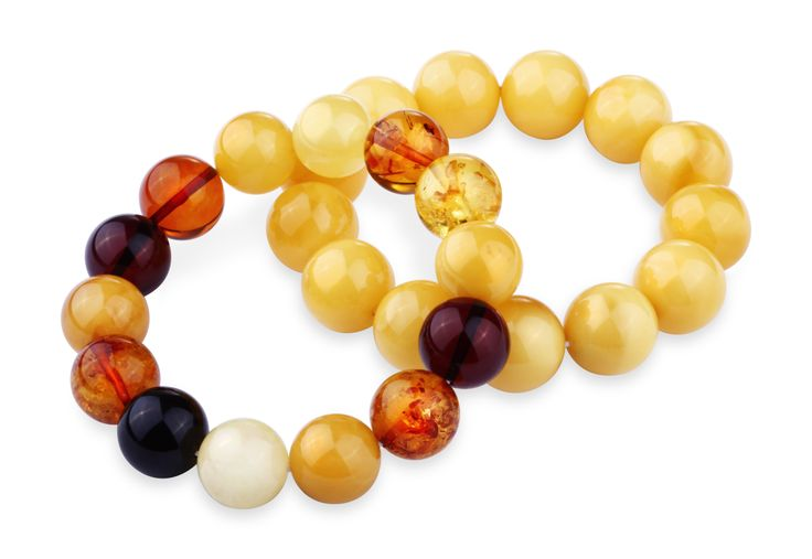 House of Amber - Pure bracelets in mixed and milky amber.