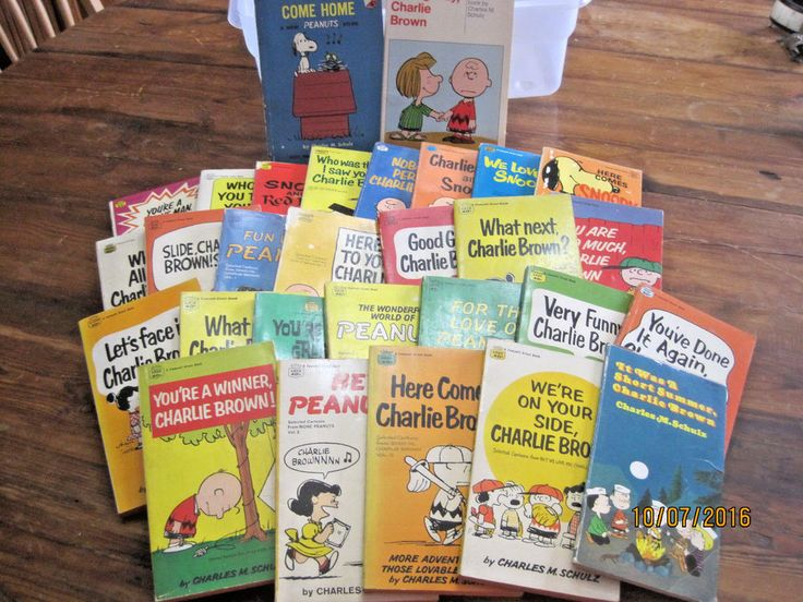 29 Vintage PEANUTS CHARLIE BROWN Paperback Book Huge Lot Old Schultz Child humor