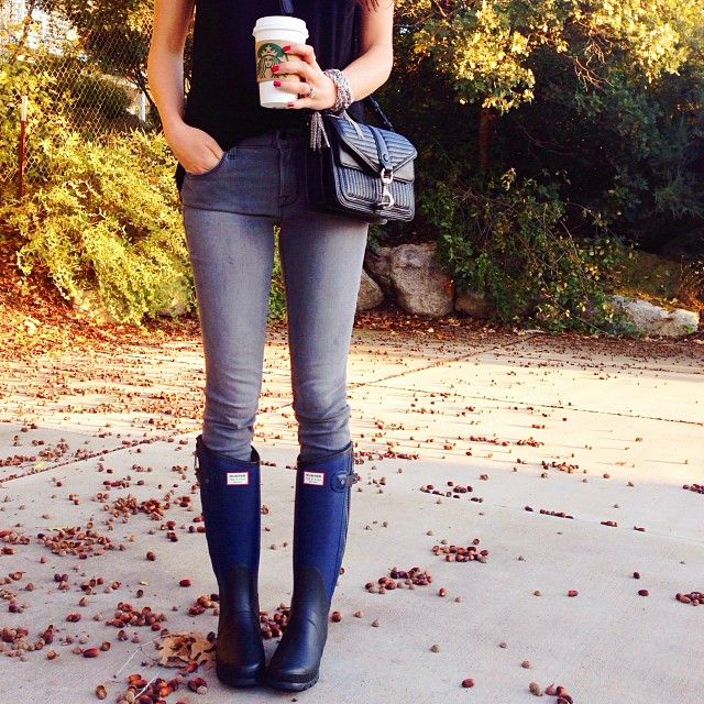 Rach Parcell of Pink Peonies wearing the Hunter + rag & bone tall boot