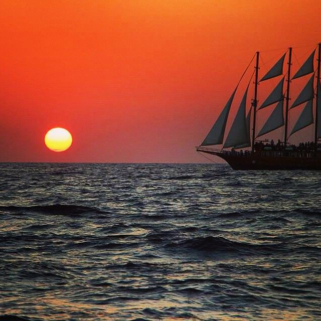 Sail off into the #sunset! Photo by:@storiesfromasuitcase