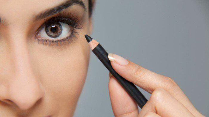 augen richtig schminken eyeliner auftragen