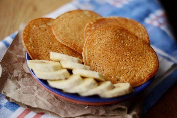 5 блюд с овсянкой, которые станут вашими любимыми!   ☀ Запеченная шоколадная овсянка: нежная и воздушная шоколадно-банановая овсянка, покрытая хрустящей корочкой...   Ингредиенты:   Овсяные хлопья - 80 г.  Банан - 1 шт.  Молоко - 1 стакан.  Какао - 2 ст.л.  Подсластитель по вкусу   Приготовление:   1. Разогреть духовку на 180 градусов.  2. В блендере смешать молоко, банан и какао.  3. В подготовленную форму выложить овсяные хлопья, залить полученной смесью и хорошо перемешать.  4. Выпекать…