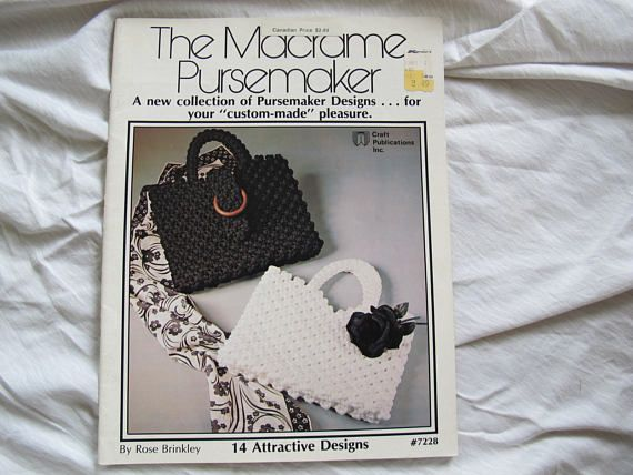 14 patterns for macrame bags and purses. 1977 edition. 23 pages. Very good condition. No tears, no odours.  All items are shipped via Canada Post letter mail. Shipping does not include tracking or insurance.  All of my vintage items are sold in as is condition. Most of them are used