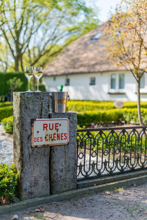 Hier is al menig strijd gestreden #jeudeboules #wijn #bourgondisch #tuin #zwolle