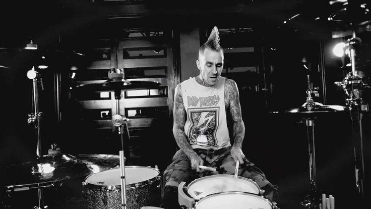 Тревис Баркер высказался об уходе Тома ДеЛонга из Blink-182 - http://rockcult.ru/travis-barker-about-tom-delonge/