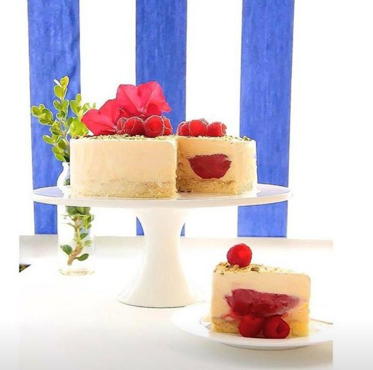 Raspberry, pistachio and vanilla cassata cake #cassata #italianess #gelato #cake
