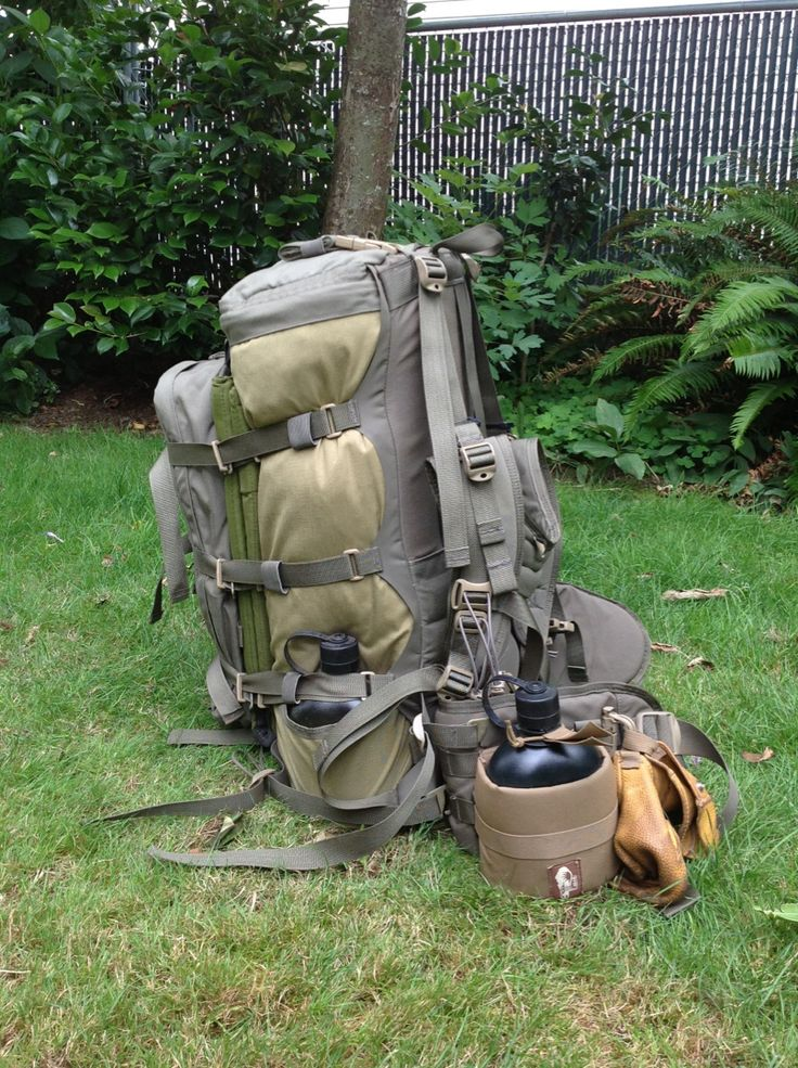 Hill People Gear Ute Pack w/ PALS Pocket as compression panel