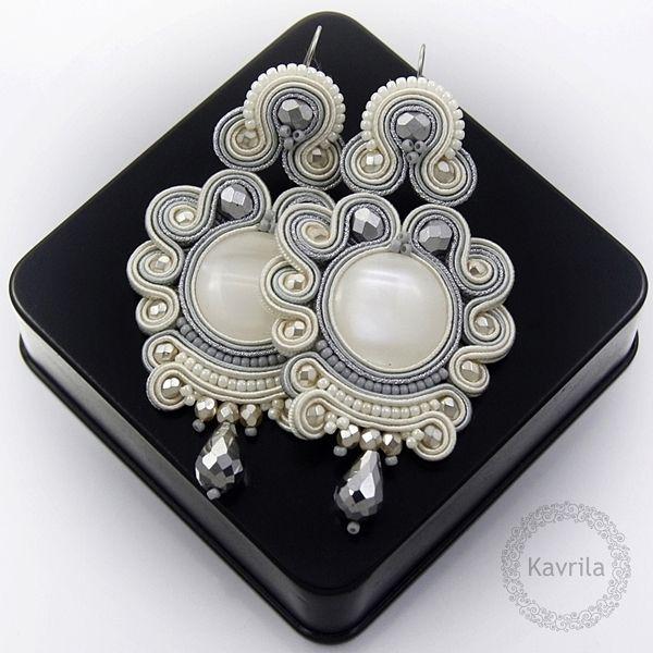 Lexite ivory soutache - kolczyki ślubne sutasz KAVRILA #sutasz #kolczyki #ślubne #rękodzieło #soutache #handmade #earrings #wedding #ivory #silver #kavrila