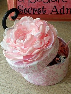I can't forget about this blog. There are cute ideas for pillows, boxes, etc. all with different flowers.
