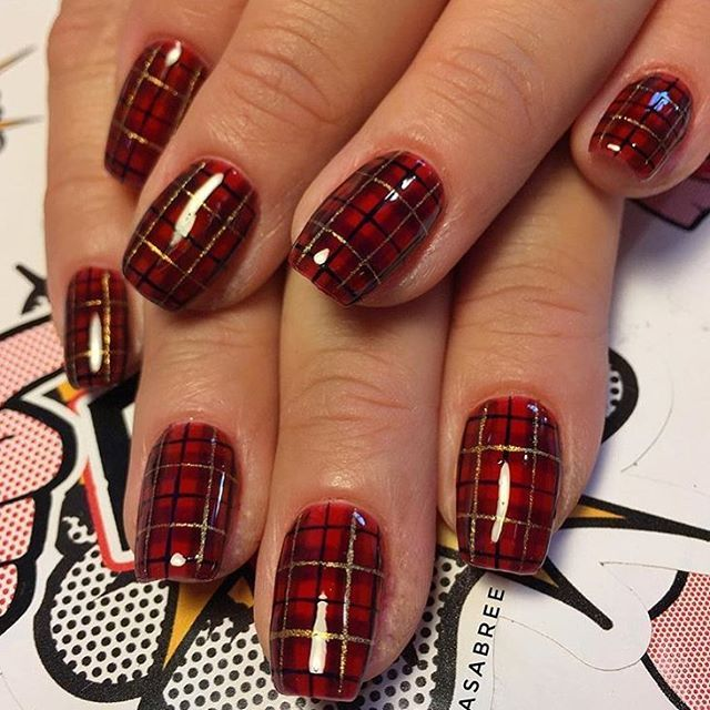 We love this cute and cozy plaid nail art by Portland-based nail tech @asabree. ❤️ #nailsmagazine