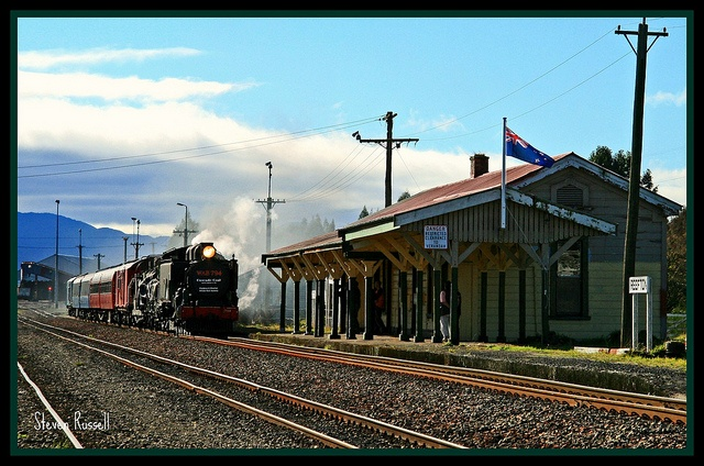 WAB 794 arriving at Reefton with a passenger train from Westport bound for Greymouth. The last time proberly for a long time to come a steam hauled passenger train passes through Reefton along the Stillwater to Westport mainline.