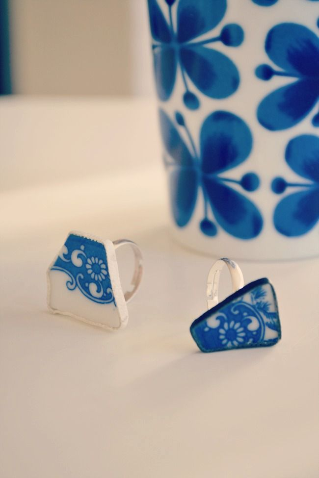 DIY rings from old broken pieces of porcelain. - I've seen these beautiful colors on plates and vases at our thrift store.