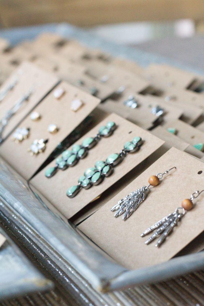 Best 25+ Earring display ideas on Pinterest | Jewelry ...