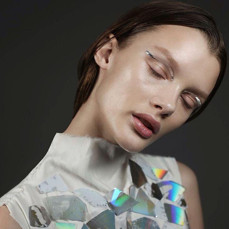 Amazing new face @kristina_grikayte @avantmodelsagency #photo super talented @alexaleroy #style @greedyrutman make by me #mywork #mymakeup #nikakislyak #никакисляк #makeup #makeupartist #beauty #cosmetics #косметика #визажист #макияж #avant #newface #TurnYourSkinOn #patmcgrathlabs003 #patmcgrath @patmcgrathreal #luminescent #skin #silver #hilights #хайлайтер #glow #shining #SKINFETISH003 by nikakislyak