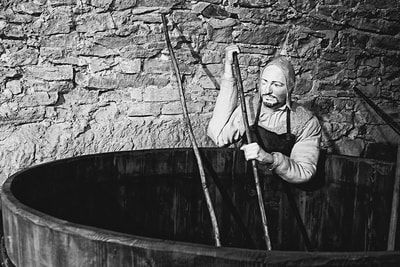 bwstock.photography - photo | free download black and white photos  //  #medieval #brewing