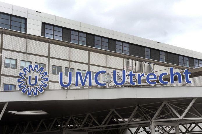 Het UMC Utrecht ligt opnieuw onder vuur nadat gisteren een 35-jarige vrouw uit Utrecht overleed tijdens een betrekkelijk eenvoudige ingreep. De Inspectie voor de Gezondheidszorg doet onderzoek naar het incident. De familie van de vrouw is woedend, eist opheldering en overweegt juridische stappen.