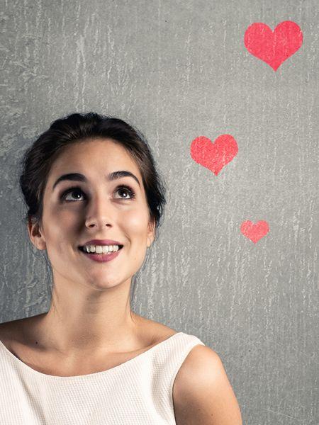 Was würden Singles tun, um endlich wieder eine neue Liebe zu treffen? Auf Shoppen verzichten? Eine Glatze rasieren? Hier gibt es die