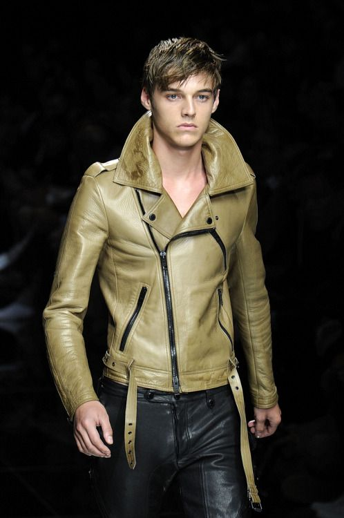 "leatheraddict: ""Leatherboy du jour/of the day : Robbie Wadge (mannequin/model) @ BURBERRY PRORSUM - 06/2010 """