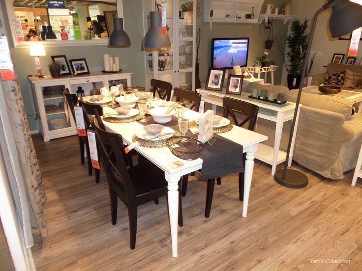 """Siyah Beyaz Yemek Odası Takımı Beyaz yemek masası,konsol,büfe,vitrin ve siyah sandalyelerden oluşan ikea konseptli sade yemek odası takımı.Krem ve tonlarında koltuk takımınız varsa çok yakışacaktır.Hani""""siyah değilde daha renkli olsa hiç fena olmazdı"""" diyorsanız.Su yeşili sandalyeler tercih ederek hem ortamı biraz renklendire ... http://www.yemekodasi.com/siyah-beyaz-yemek-odasi-takimi/"""