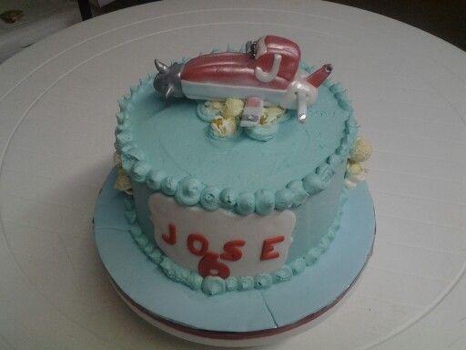 Vanilla buttermilk Aeroplane cake