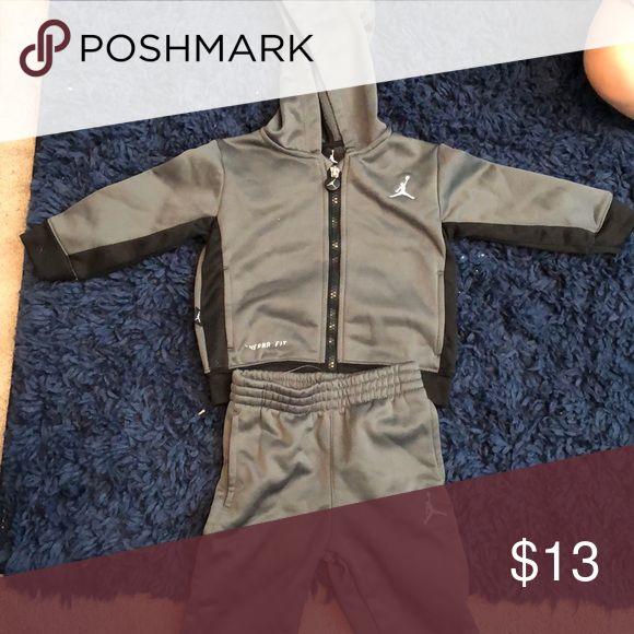Jordan sweat suit Grey and black zip up hoodie and pants set. Therma-fit Jordan Matching Sets