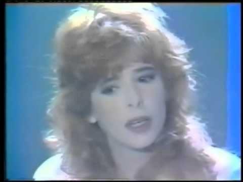 Mylène Farmer - Sacrée Soirée TF1 01er novembre 1989 - Dernier sourire