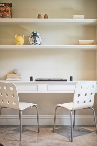 built-in desk for kids // traditional kids' desk.  home decor and interior decorating.  home office.  kids room.  workspace.  built ins.