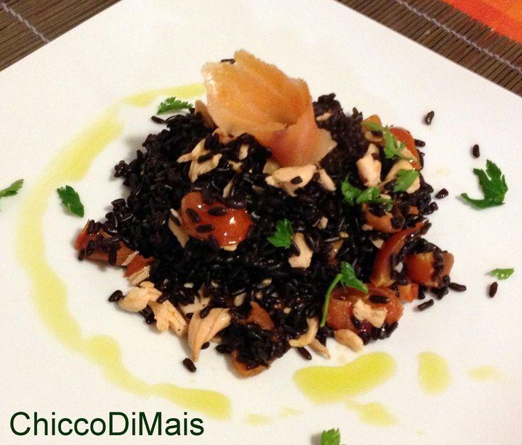 Riso venere con salmone ricetta facile il chicco di mais http://blog.giallozafferano.it/ilchiccodimais/riso-venere-con-salmone-ricetta-facile/