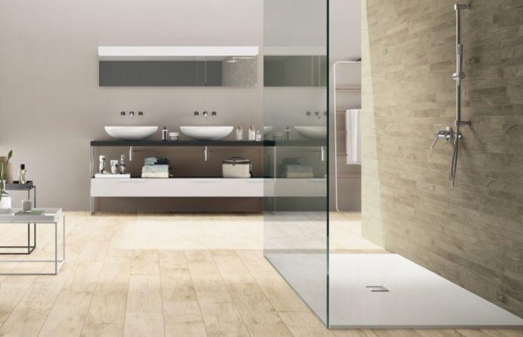 Castelvetro. Deze Doorloopdouche lijkt op onze wens. Betonlook in douche, hout eromheen. Glazen wand.