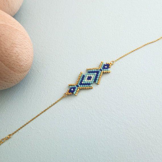 Bracelet de style oriental tissé à l'aiguille en perle