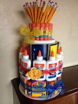 School supply cake. Would be a wonderful centerpiece or teachers gift!