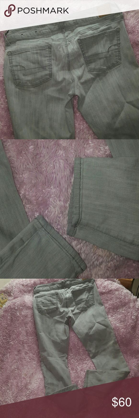 JEGGING SUPER STRETCH Jeans ~ American Eagle NWOT JEGGING SUPER STRETCH Jeans ~ American Eagle NWOT ~ Size 10 regular ~ 99% cotton 1% spandex. Rare and Hard to find gray color. Perfect for casual or dressy attire. I ship daily! (#A3) American Eagle Outfitters Jeans Skinny