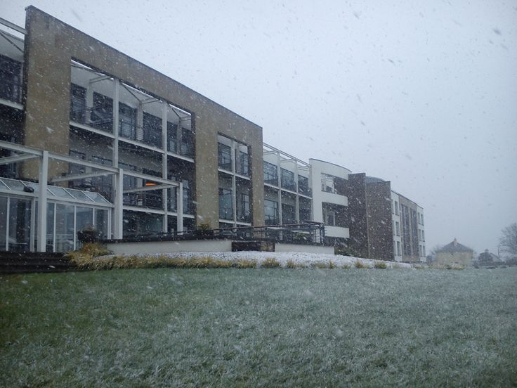 It may be Spring but it's snowing at the Aghadoe Heights Hotel & Spa in Killarney today #wintery