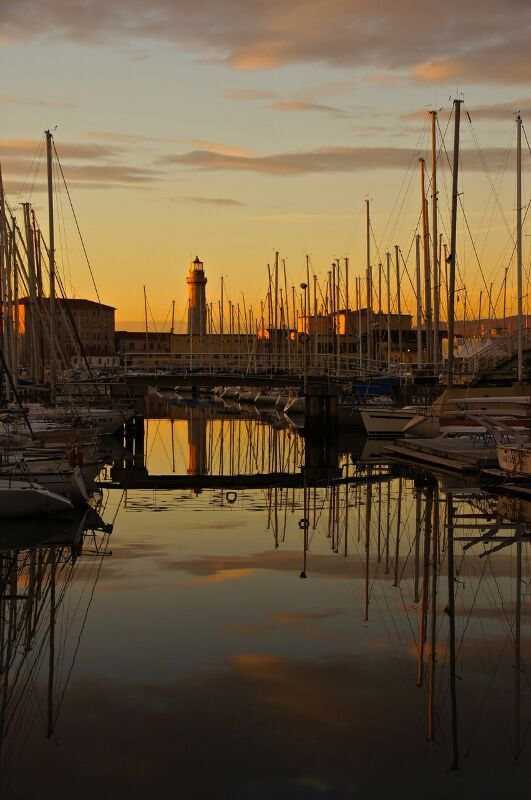 Zenobia's father made a lot of his money from shipping before the thirties crash.  Zenobia once stowed away on a ship, at the age of 7, because she thought it would be a romantic adventure. #Trieste harbour