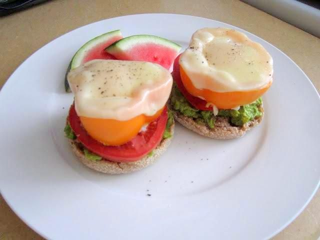Open-Faced Egg, Bell Pepper, Tomato and Avocado English Muffin ...