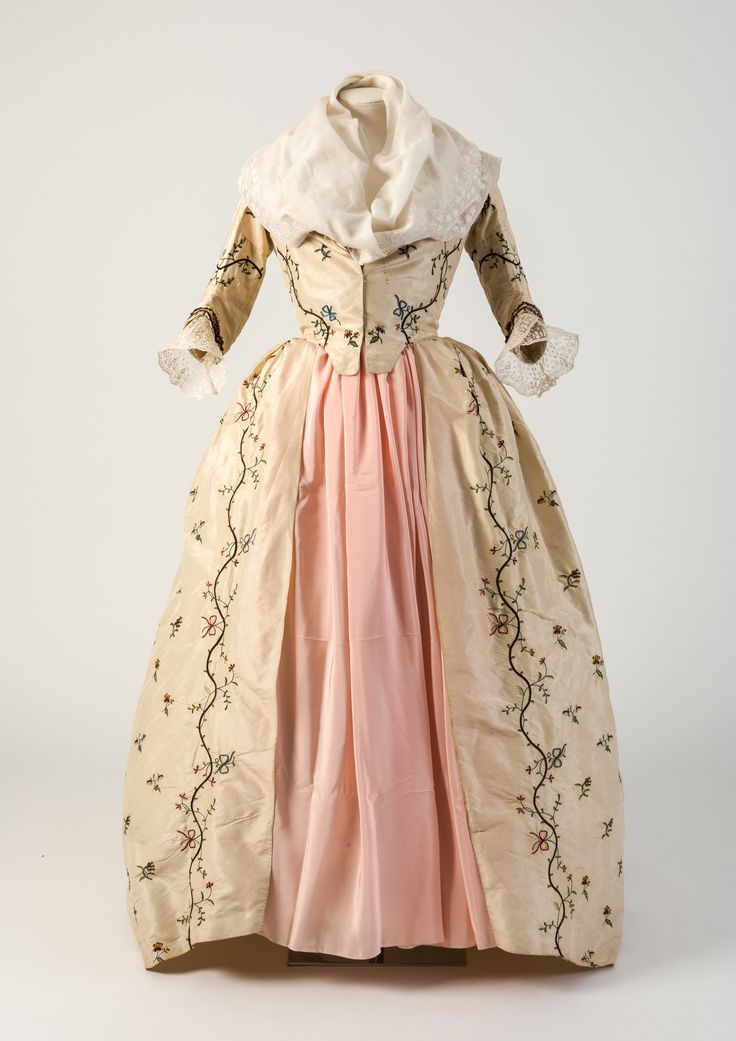 Cream silk tambour embroidered closed gown, 1780s.  Fashion Museum Bath.