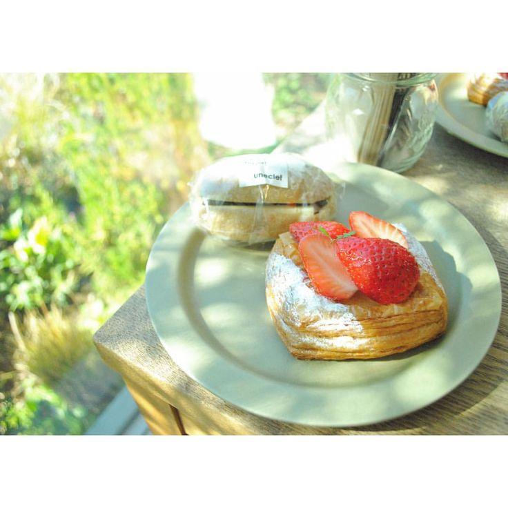 いいね!45件、コメント1件 ― mariさん(@matataberu)のInstagramアカウント: 「. . お気に入りの窓辺の席 ひさしぶりにすわれました。 味も見た目もおいしい朝ごはんは1日を豊かにしてくれる気がします . . #uneclef #ユヌクレ #豪徳寺 #パン #パン屋…」