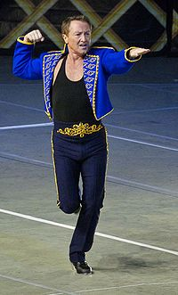 Google Image Result for http://upload.wikimedia.org/wikipedia/commons/thumb/2/2e/Flatley_alone_cropped.jpg/200px-Flatley_alone_cropped.jpg