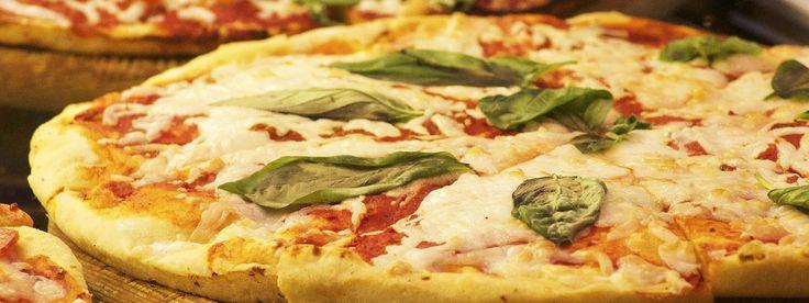 PIZZA SENZA GLUTINE E NON SOLO  Tutti le sere da mercoledì a domenica la nostra favolosa pizza, anche #senzaglutine  Promozione: – Pizza+bibita=10.00 euro – Pizza+birra=13.00 euro – Menù baby da 8 euro Che aspetti..prenota il tuo tavolo!!!