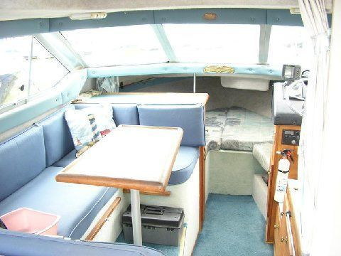1988 Bayliner 2556 COMMAND Power Boat For Sale - www.yachtworld.com