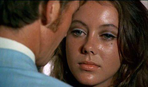 """Movie Babe Jessica 6 Jenny Agutter (Logan's Run, """"L'âge de cristal""""- 1976)   La bande originale de Jerry Goldsmith avec des sons très synthétiques. Logan 5 fait venir Jessica 6 dans son appartement... Au 23e siècle… Les survivants de la guerre, de la..."""