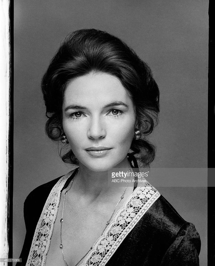 Fionnula Flanagan at 37 years old.