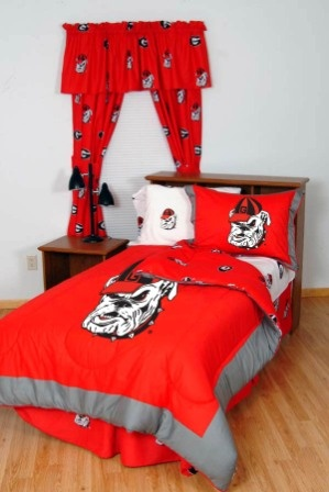28 best images about georgia bulldogs caves and rooms on for Georgia bulldog bedroom ideas